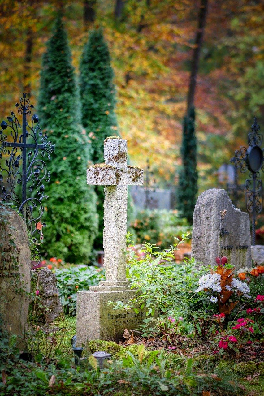 cemetery, cross, mourning-5216257.jpg